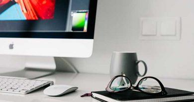 Illustration : bureau avec un ordinateur